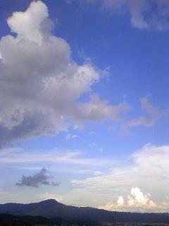 23.8.26雲?.jpg