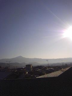 23.2.16朝の比叡山.jpg