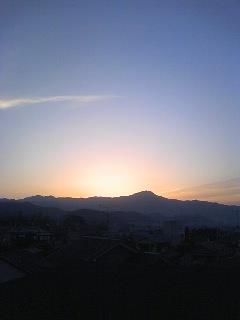 早朝の比叡山23.4.17.jpg